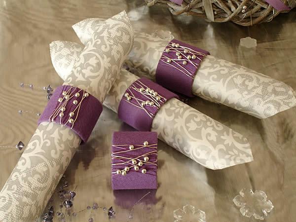 fiche cr ative ronds de serviettes perles et feutre. Black Bedroom Furniture Sets. Home Design Ideas